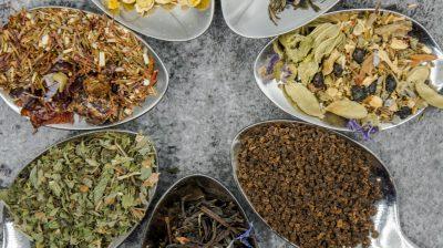 Reutilizar folhas de chá. Sim ou não?