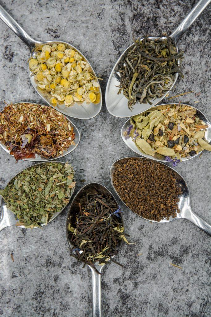 reutilizar folhas de chá