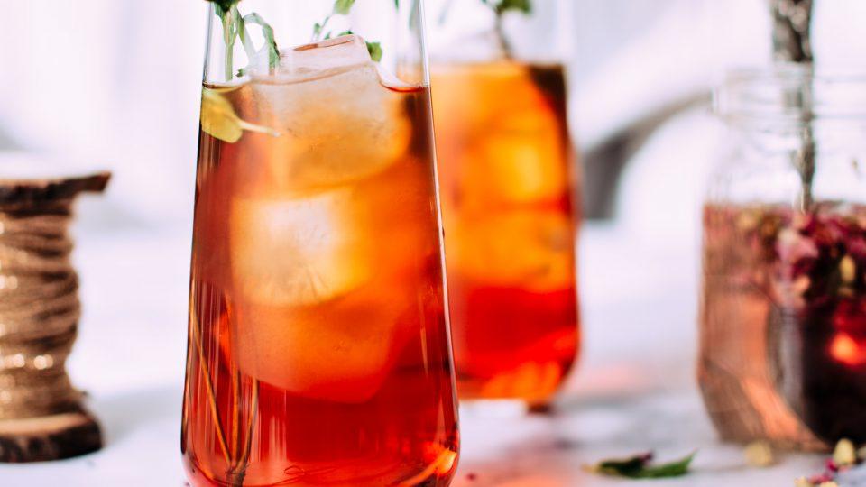 Chá frio: caseiro ou engarrafado?