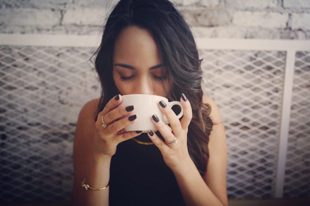 Bebendo com chá
